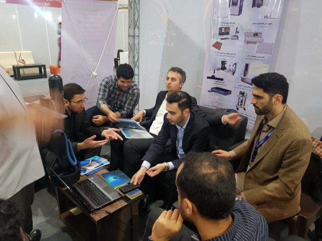 بازدید دکتر باقری معاون وزیر محترم راه و شهرسازی از غرفه ی شرکت سپهران در نمایشگاه کیش اینوکس